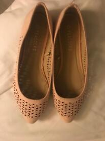 Size 3 pumps brand new