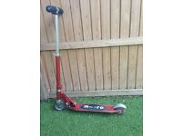 Child's Unisex Red Micro Scooter Age 9-12 Good Condition with Stand