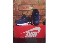 Nike Air Max Command UK Kids Size 6.5 New Trainers