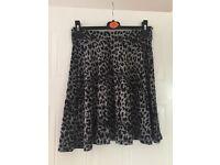 F&F grey & black skirt - size 10