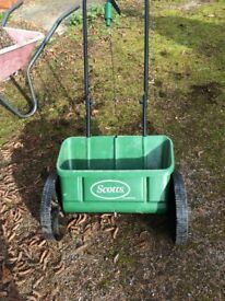 Scott lawn fertilizer distributer
