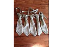 5 perfect condition mint green cravats, high quality