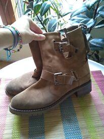 Zara Ladies Boots Size 6