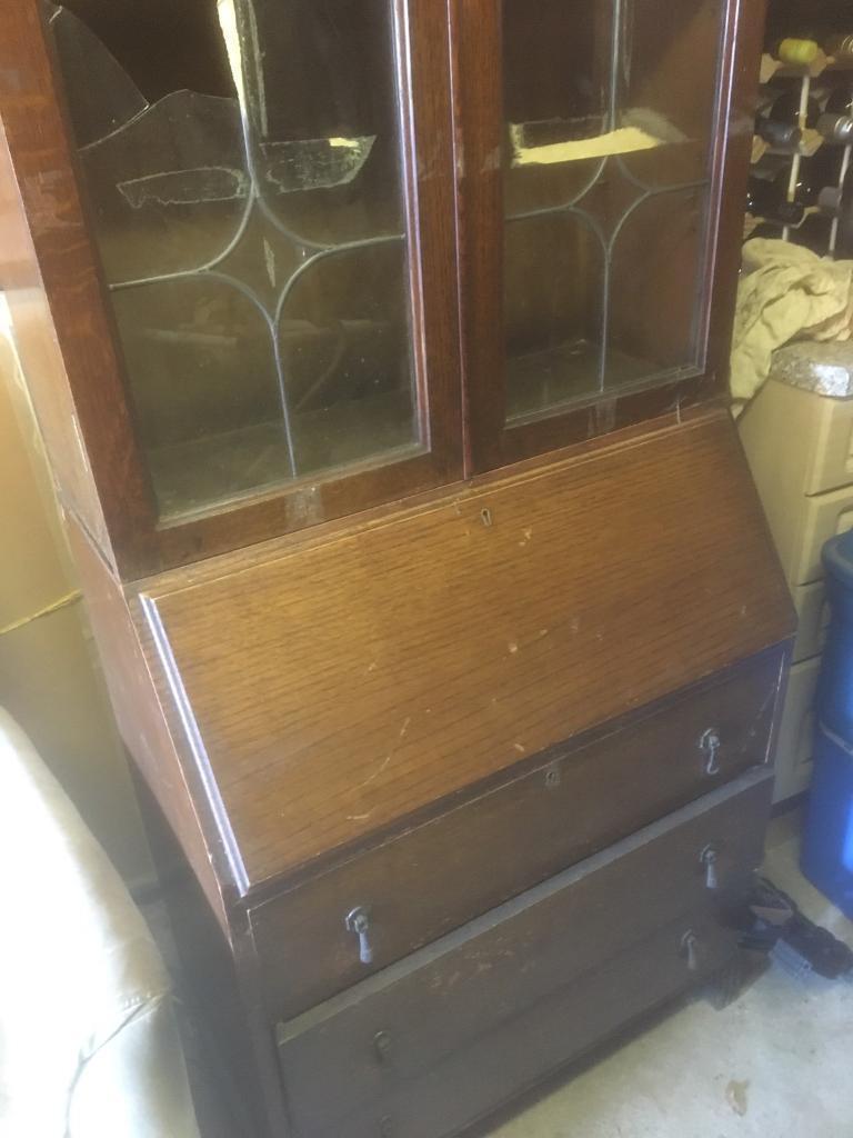 Bureau with 3 drawers