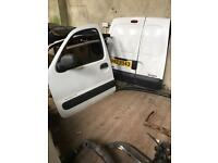 Breaking kangoo 1.5 dci turbo pumps doors panels towbar etc phone text anytime
