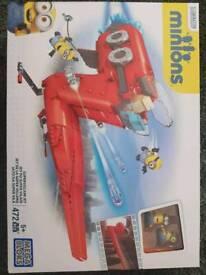 Mega blocks Minions supervillian jet and figures