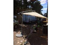 Overhanging garden parasol