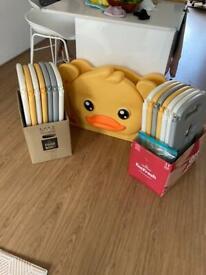 Duck theme baby play pen