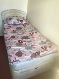 Single bed Sealy