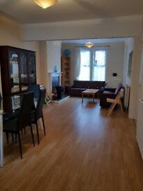 Double bed room rent to share