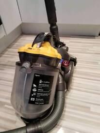 Dyson dc19 vacuum
