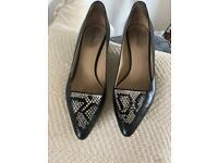 Rare! Stunning Womens armani kitten heeled black leather shoes