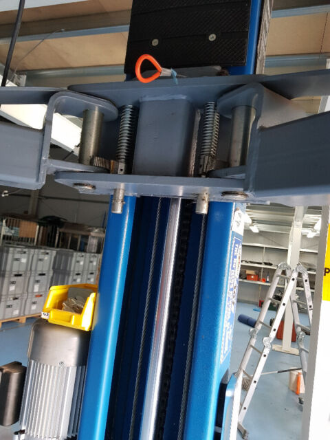 2 post car lift 3500kg single phase | in Stirling | Gumtree