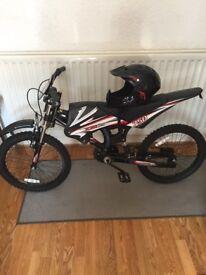 Kidss XKZ 750 bike with helmet