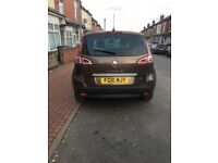 Rental scenic pervilage tomtom .2010 plate ,5 door hatchback . Wit mot and tax