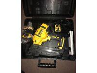 De Walt Dcn660 18v Second fix nailer Brushless 2 x 2.OAh Batteries