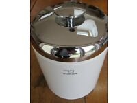 Zojirushi White / Stainless Steel Ice Bucket, with ice tongs & ice tray