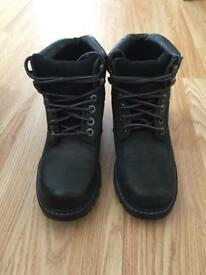 Caterpillar boots size 4