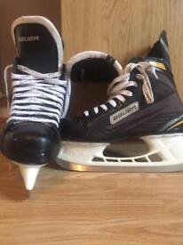 Bauer hockey skates 9.5