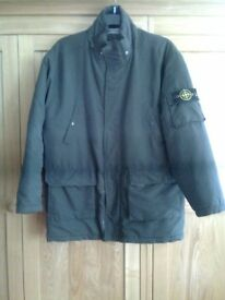 Mens green jacket, padded, approx. size medium, missing the hood, includes inside pocket