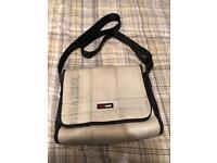 FEUER wear messenger bag