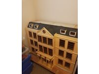 VERY LARGE WOODEN DOLLS HOUSE ELECTRIC FITTINGS AND SOME FURNITURE GREAT PROJECT