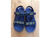 Clarks boys sandals 10.5