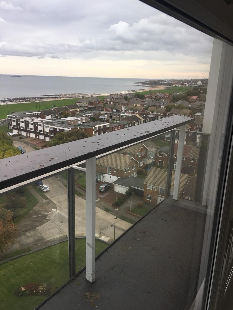 2 BEDROOM APARTMENT BEACON HOUSE WOTH INCREDIBLE VIEWS- WHITLEY BAY