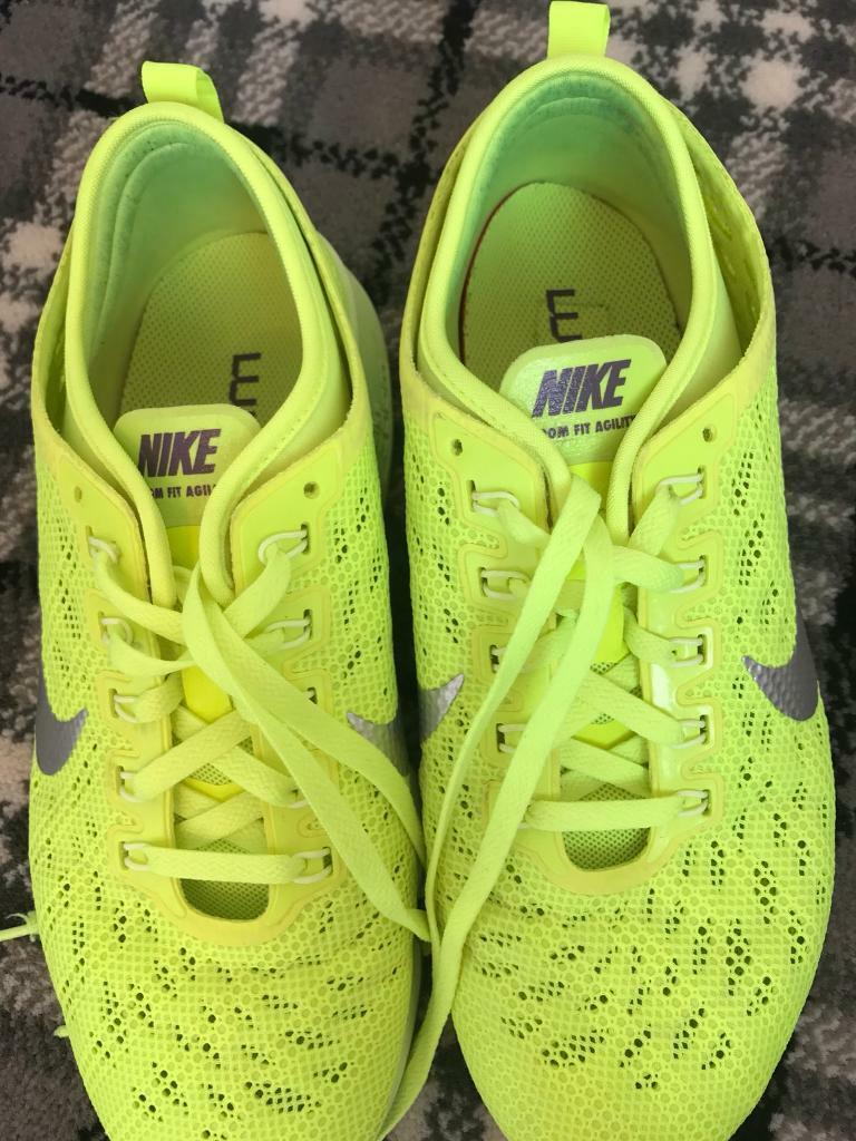 Nike womens trainers gym shoes size 4.5 fit a uk5
