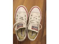 Kids size 12 converse great condition