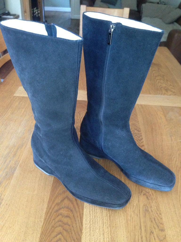 Hobbs black suede boots size 7