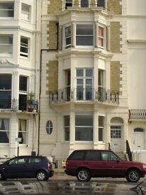 Lovely 2 bedroom flat on Marine Parade, on the Kemptown seafront. Available this weekend!