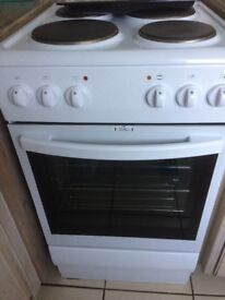 CURRYS ESSENTIALS ELECTRIC COOKER ONLY 3 WEEKS OLD