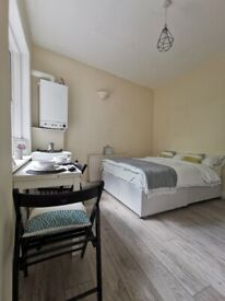 ***BRILLIANT STUDIO IN WILLESDEN GREEN ZONE 2***