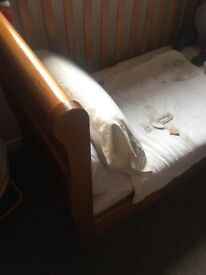 VIB cot bed with matress