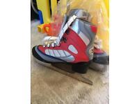 Size 35 (UK size 2) figure skates Size 35,