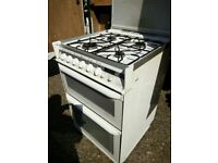 White gas cooker with glass lid (glass on grill needs fixing as loose)