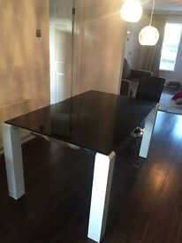 Stunning Dining table White legs with Black glass top 1500 x 925 x 760 (h) REDUCED TO £40. QUICKLY