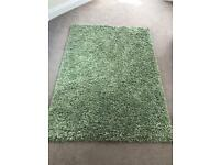 1 x green thick pile rug