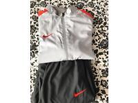Nike tracksuit age 13-15 yrs