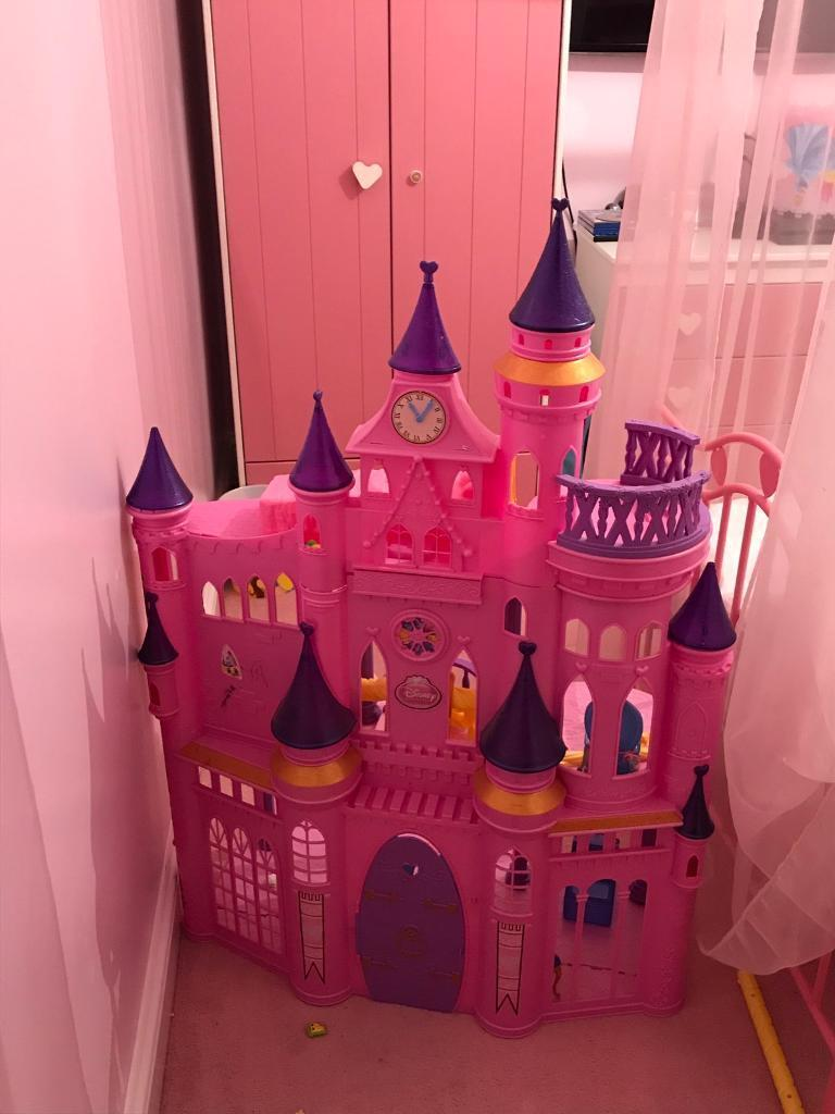 Disney princess castle /house