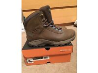 Merrell waterproof hiking boots - women's size 7 - with ankle support