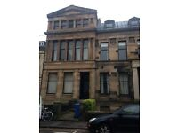 2 bedroom basement flat to let Oakfield Road, West End £900pcm
