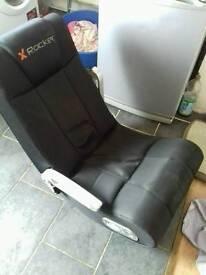 Gaming chair (damaged)