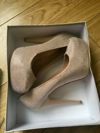 Brand new size 7 carvela heels