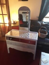 Beautifal dresser and chest of drawers