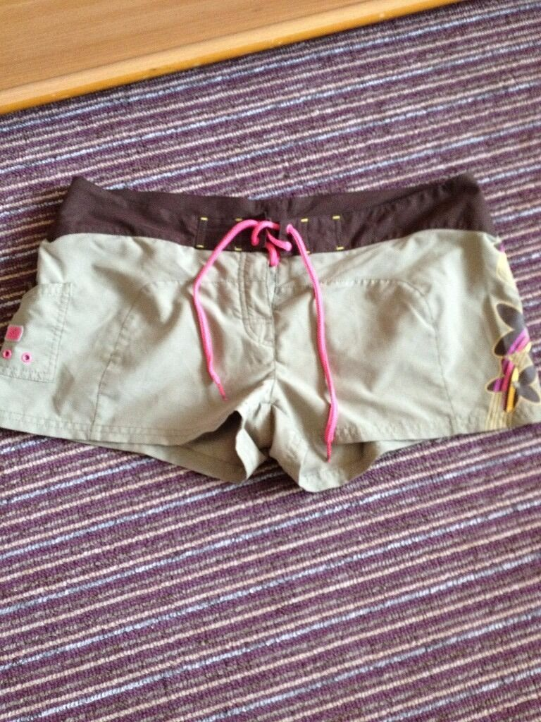 Ladies Adidas shorts size 14in Sandwell, West MidlandsGumtree - Adidas originals shorts size 14 perfect condition only been worn couple of times clean and stain free lovely flower design on one side and ipod pocket on the other from smoke and free home