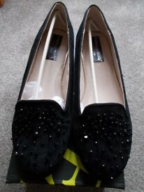 Brand new Cushion Walk black shoes size 7