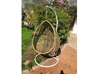 vintage retro kitsch egg chair garden swinging seating