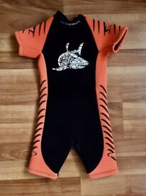 CHILDRENS WETSUIT 2-3 YEARS